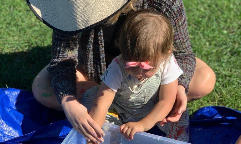 Outdoor Toddler Art Play (Murray Park) : 18 months - 4 yrs